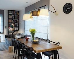 Dom pod Białymstokiem - Średnia otwarta biała jadalnia w salonie, styl skandynawski - zdjęcie od Projektowanie Wnętrz Ewa Wróblewska-Szoda