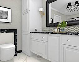 Apartament w Bolesławcu - Mała czarna szara łazienka w bloku w domu jednorodzinnym bez okna, styl nowojorski - zdjęcie od Pracownia Wnętrza