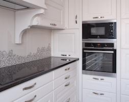 Kuchnia+klasyczna+bia%C5%82a+MALAGA+-+www.kampra.pl+-+zdj%C4%99cie+od+KAMPRA+MEBLE