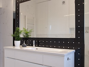 Biała łazienka - Realizacja KAMPRA MEBLE