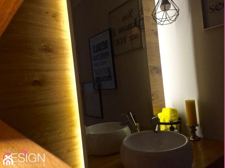 Projekt Września - Łazienka - zdjęcie od kabeDesign kasia białobłocka