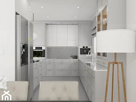 Aranżacje wnętrz - Kuchnia: DOM W JÓZEFOSŁAWIU - Duża otwarta biała kuchnia w kształcie litery u z oknem, styl nowojorski - 3deko. Przeglądaj, dodawaj i zapisuj najlepsze zdjęcia, pomysły i inspiracje designerskie. W bazie mamy już prawie milion fotografii!