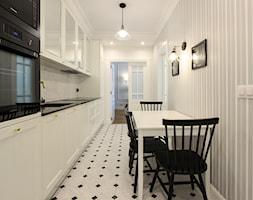 MIESZKANIE KRAKÓW - Mała otwarta biała jadalnia w kuchni, styl klasyczny - zdjęcie od 3deko