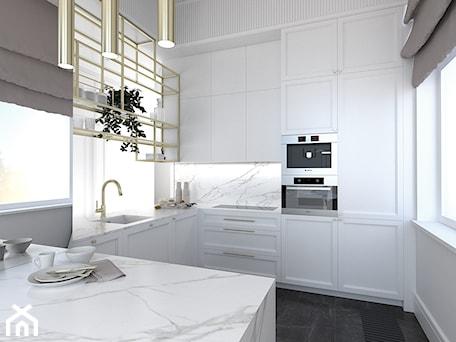 Aranżacje wnętrz - Kuchnia: WYSOKIE MIESZKANIE W KAMIENICY - Mała otwarta biała kuchnia w kształcie litery l z wyspą z oknem, styl nowojorski - 3deko. Przeglądaj, dodawaj i zapisuj najlepsze zdjęcia, pomysły i inspiracje designerskie. W bazie mamy już prawie milion fotografii!