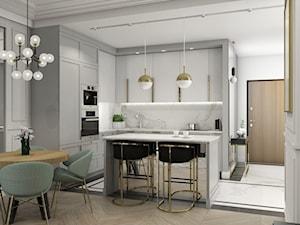MIESZKANIE W NOWOJORSKIM KLIMACIE - Mała biała szara kuchnia w kształcie litery l w aneksie z wyspą, styl nowojorski - zdjęcie od 3deko