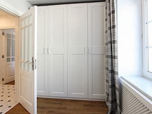 MIESZKANIE KRAKÓW - Mały szary pokój dziecka dla chłopca dla dziewczynki dla niemowlaka dla malucha dla nastolatka, styl skandynawski - zdjęcie od 3deko