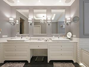 DOM W WILANOWIE - Duża biała szara łazienka bez okna, styl klasyczny - zdjęcie od 3deko
