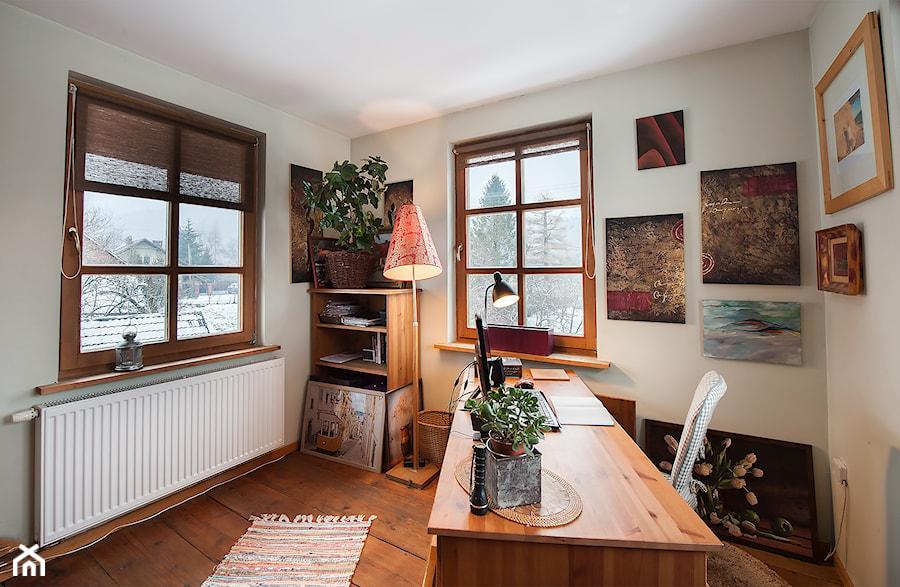 Aranżacje wnętrz - Biuro: Dom - Biuro, styl tradycyjny - residence_fotografia_wnetrz. Przeglądaj, dodawaj i zapisuj najlepsze zdjęcia, pomysły i inspiracje designerskie. W bazie mamy już prawie milion fotografii!