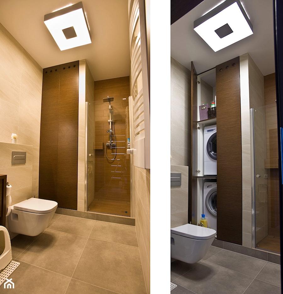 Aranżacje wnętrz - Łazienka: Kocia Sprawa - Mała beżowa brązowa łazienka w bloku bez okna, styl nowoczesny - Cobo Design. Przeglądaj, dodawaj i zapisuj najlepsze zdjęcia, pomysły i inspiracje designerskie. W bazie mamy już prawie milion fotografii!