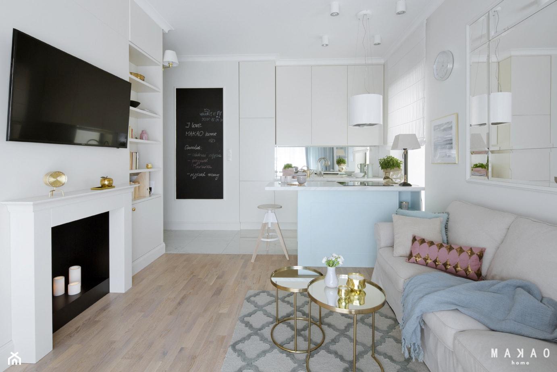 SASKA KĘPA - Mały biały salon z jadalnią, styl nowojorski - zdjęcie od MAKAO home - Homebook