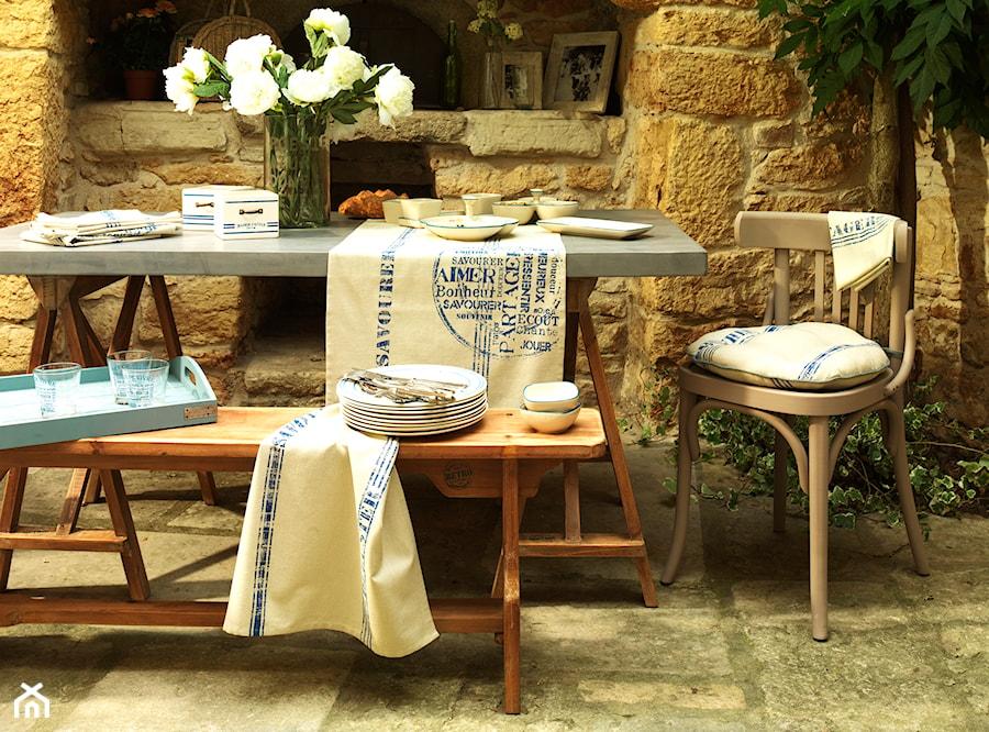 table d 39 hotes zdj cie od comptoir de famille by coqlila. Black Bedroom Furniture Sets. Home Design Ideas