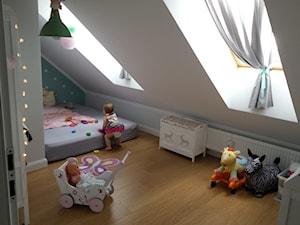 #pokojdziecka - Średni szary niebieski pokój dziecka dla chłopca dla dziewczynki dla niemowlaka dla malucha - zdjęcie od Weronika Kozera