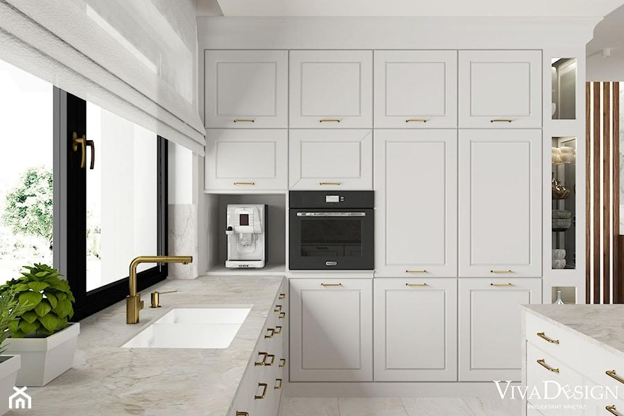 dom w stylu klasycznym - Średnia zamknięta biała szara kuchnia w kształcie litery l z wyspą z oknem, styl klasyczny - zdjęcie od Viva Design Pracownia Projektowania Wnętrz