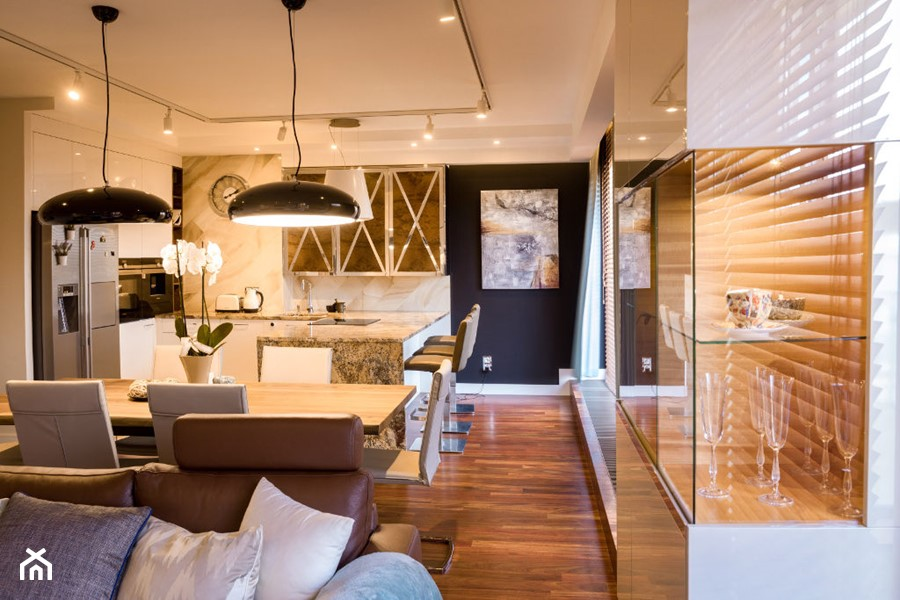 Zdjęcie salonu z widokiem na część kuchenną - zdjęcie od Viva Design Pracownia Projektowania Wnętrz