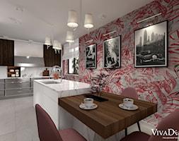 Dom w kolorach jesieni - Średnia otwarta szara kolorowa kuchnia jednorzędowa z wyspą z oknem, styl nowoczesny - zdjęcie od Viva Design Pracownia Projektowania Wnętrz
