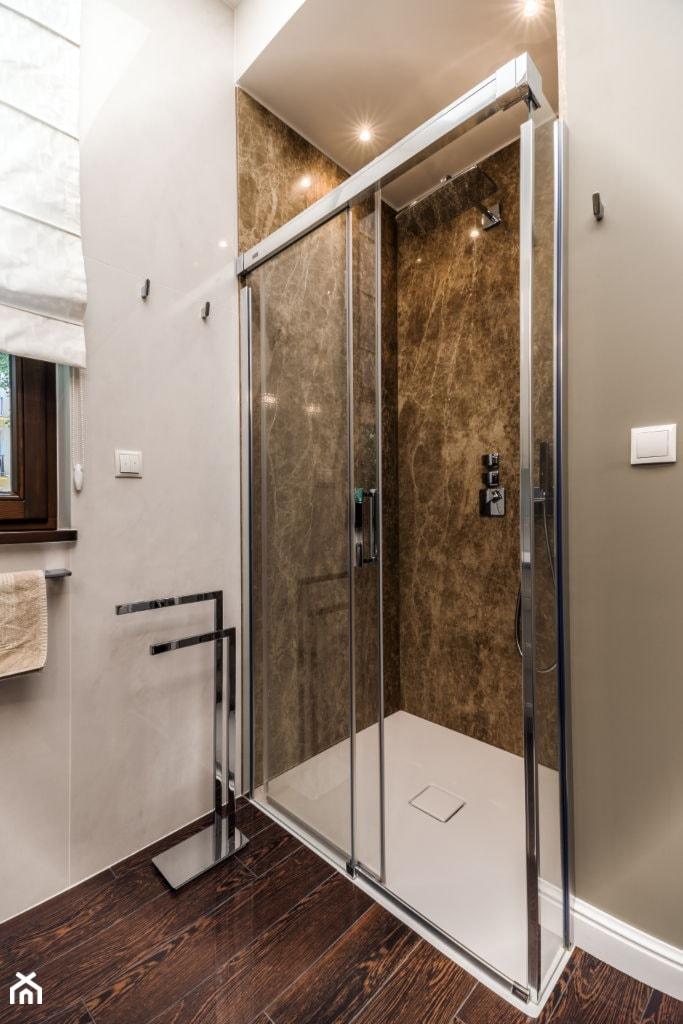 Aranżacje wnętrz - Łazienka: Zdjęcie łazienki - Viva Design Pracownia Projektowania Wnętrz. Przeglądaj, dodawaj i zapisuj najlepsze zdjęcia, pomysły i inspiracje designerskie. W bazie mamy już prawie milion fotografii!