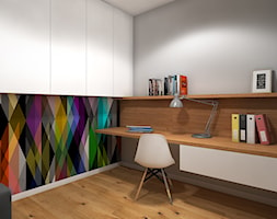Wnętrze mieszkania w Warszawie - Średnie szare kolorowe biuro kącik do pracy w pokoju, styl nowoczesny - zdjęcie od Tu architekci
