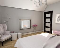 romantyczna sypialnia - Duża szara sypialnia dla gości na poddaszu, styl eklektyczny - zdjęcie od NHDESIGN