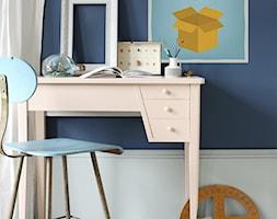 DOMOWE BIURO - Małe brązowe białe biuro kącik do pracy - zdjęcie od PIXERS