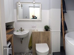 Łazienka w przedwojennej kamienicy - zdjęcie od Trykowska Studio