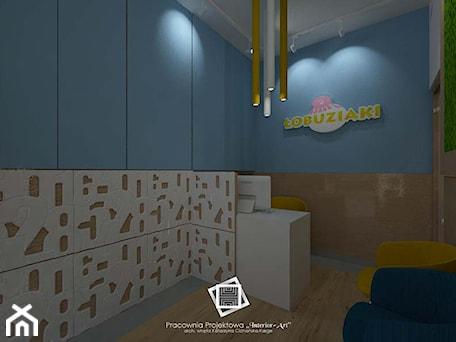 """Aranżacje wnętrz - Wnętrza publiczne: Szkoła prywatna """"Łobuziaki"""" - Wnętrza publiczne, styl nowoczesny - Pracownia Projektowa """"Interior-Art"""". Przeglądaj, dodawaj i zapisuj najlepsze zdjęcia, pomysły i inspiracje designerskie. W bazie mamy już prawie milion fotografii!"""