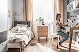 minimalistyczny pokój dziecka, pokój dziecka w stylu skandynawskim, łóżko z odpinanym zagłówkiem