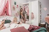 szafa w pokoju dziecka, pokój nastolatki, pokój dziewczynki, pokój z różowymi dodatkami