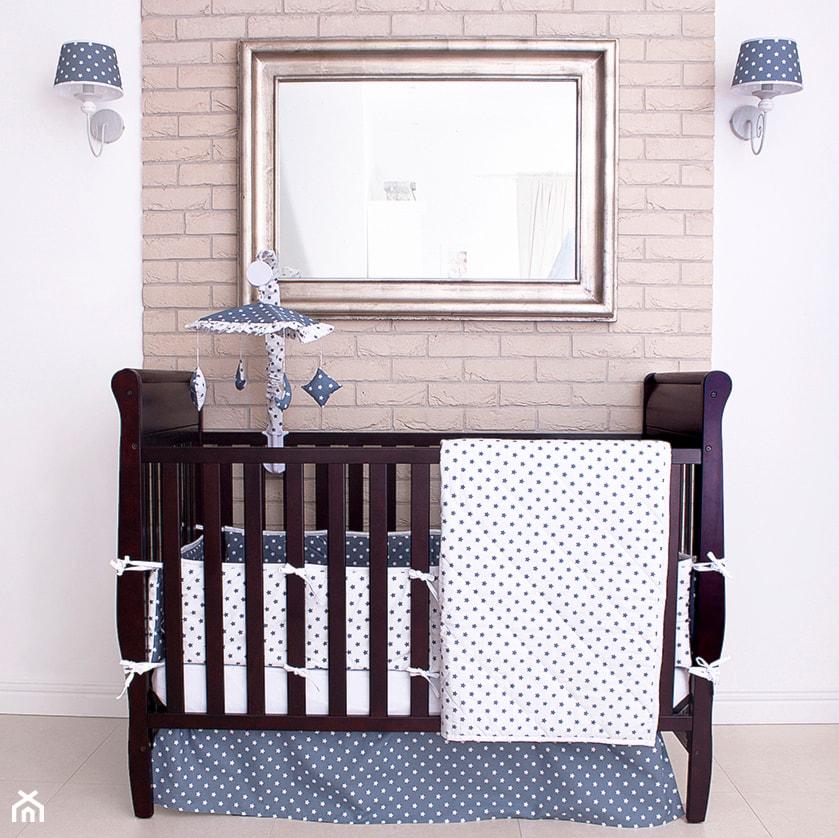 Aranżacje wnętrz - Pokój dziecka: Kolekcja szaro-białe gwiazdki - Roomee Decor. Przeglądaj, dodawaj i zapisuj najlepsze zdjęcia, pomysły i inspiracje designerskie. W bazie mamy już prawie milion fotografii!