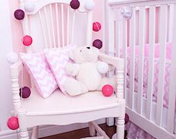 Kolekcja różowo-białe zygzaki - zdjęcie od Roomee Decor