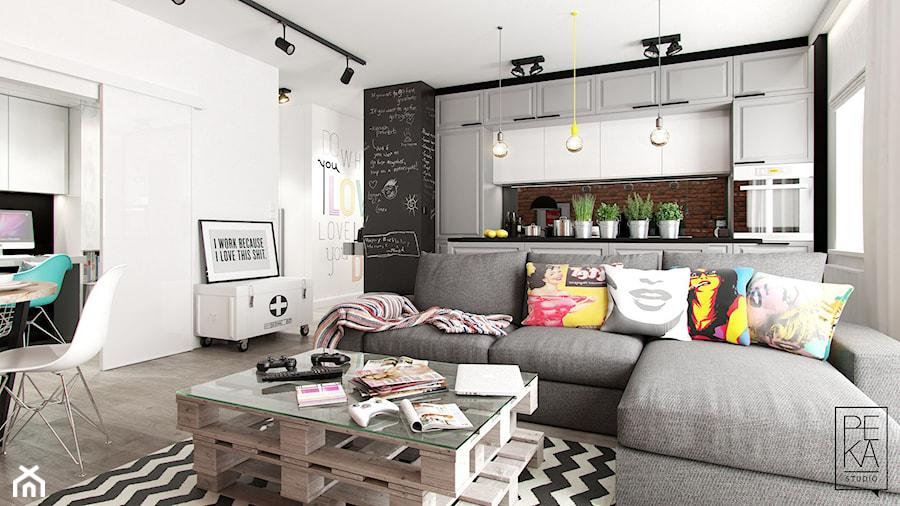 INDUSTRIALNE MIESZKANIE - Średni biały czarny salon z kuchnią z jadalnią, styl industrialny - zdjęcie od PEKA STUDIO