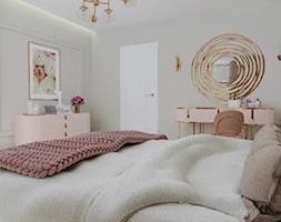 Kobieca sypialnia - Sypialnia, styl glamour - zdjęcie od KJ Studio Projektowanie wnętrz - Homebook