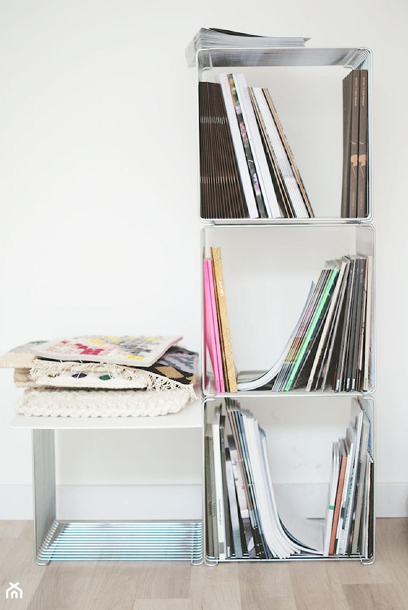 Biuro w Poznaniu - Małe białe biuro, styl skandynawski - zdjęcie od Monika Kowalczyk Home Design