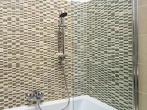 Łazienka - Mała szara łazienka w bloku w domu jednorodzinnym bez okna, styl minimalistyczny - zdjęcie od Castorama