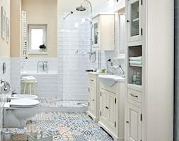 Łazienka - Duża biała beżowa łazienka z oknem, styl vintage - zdjęcie od Castorama