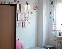 Od projektu do wykonastwa pokoju 6 letniej królewny Helenki - Mały biały pokój dziecka dla dziewczynki dla malucha, styl nowoczesny - zdjęcie od MKsmartstudio