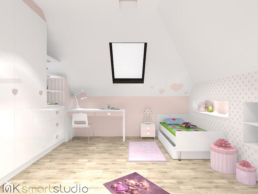 ''Paskowo-kropkowo i pastelowo'' - pokoik dla dziewczynki - Pokój dziecka, styl skandynawski - zdjęcie od MKsmartstudio