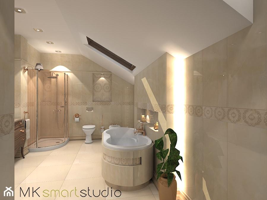 Łazienka w stylu glamour - Duża biała beżowa łazienka na poddaszu w domu jednorodzinnym z oknem, styl glamour - zdjęcie od MKsmartstudio