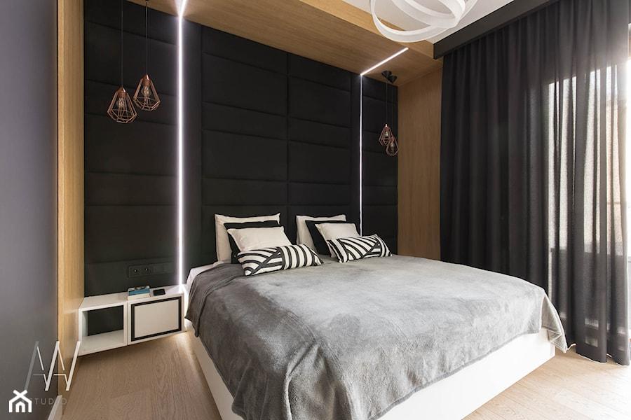 NOWOJORSKI KLIMAT - Mała czarna sypialnia małżeńska, styl glamour - zdjęcie od AAW studio