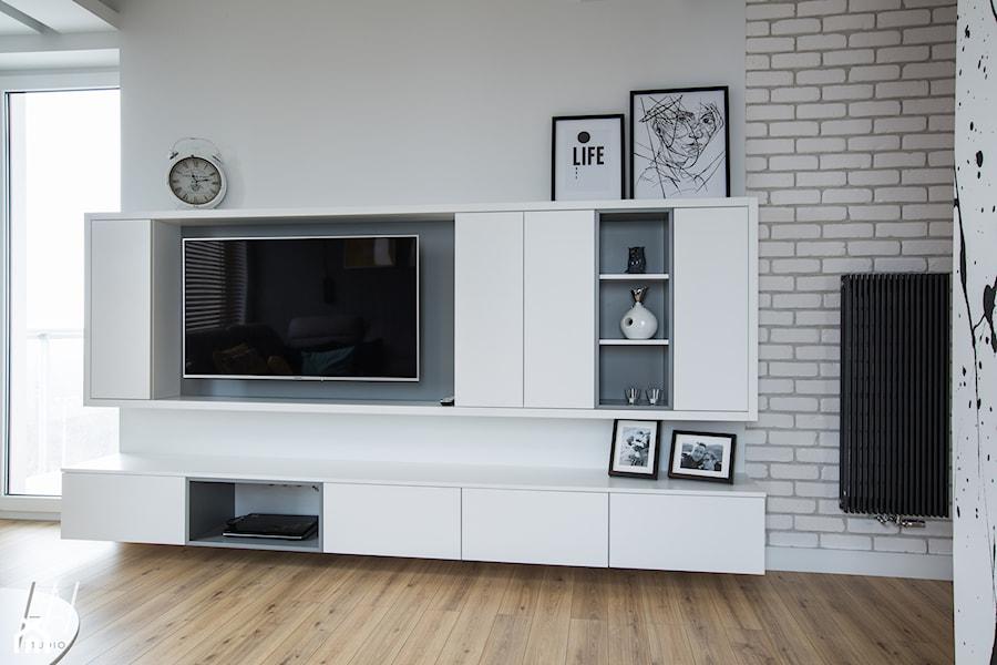 Naturalnie Nowocześnie - Biały salon z tarasem / balkonem, styl nowoczesny - zdjęcie od AAW studio