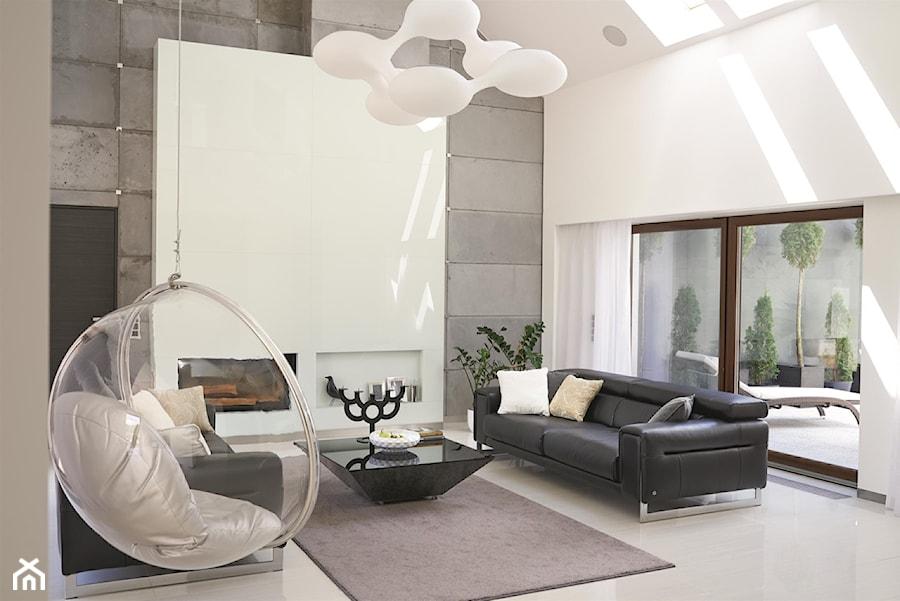 Dom pod Częstochową 1 - Duży szary biały salon z tarasem / balkonem, styl minimalistyczny - zdjęcie od MINIMOO Architektura Wnętrz