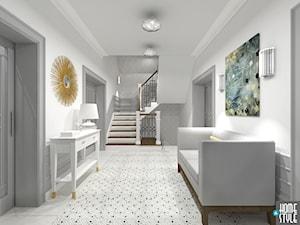 Dom w stylu nowoczesnej klasyki - Duży biały szary hol / przedpokój, styl klasyczny - zdjęcie od HOME & STYLE Katarzyna Rohde