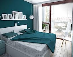 Szarość ocieplona drewnem - Średnia zielona sypialnia małżeńska z balkonem / tarasem, styl skandynawski - zdjęcie od HOME & STYLE Katarzyna Rohde - Homebook