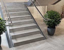 Masto - Średnie wąskie schody dwubiegowe kamienne - zdjęcie od Ceramika Paradyż