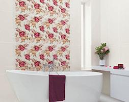 bellicita-purio - Średnia łazienka z oknem, styl klasyczny - zdjęcie od Ceramika Paradyż