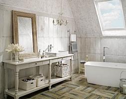 antico-arke - Średnia łazienka na poddaszu w domu jednorodzinnym jako salon kąpielowy z oknem, styl klasyczny - zdjęcie od Ceramika Paradyż