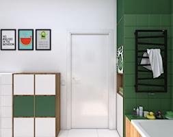 monster(a) in the bathroom - Średnia biała zielona łazienka z oknem, styl skandynawski - zdjęcie od WNĘTRZOMANIA