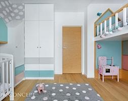 Wilanów - 100m2 REALIZACJA - Średni biały szary pokój dziecka dla chłopca dla dziewczynki dla rodzeństwa dla niemowlaka dla malucha, styl skandynawski - zdjęcie od TutajConcept