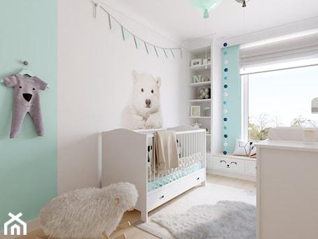 Z nutą glamour - Średni biały niebieski pokój dziecka dla chłopca dla dziewczynki dla niemowlaka, styl skandynawski - zdjęcie od TutajConcept