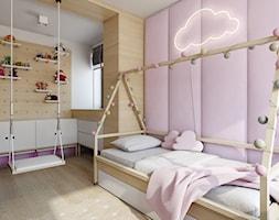 Józefosław - 100m2 - Średni biały pastelowy różowy pokój dziecka dla dziewczynki dla malucha, styl skandynawski - zdjęcie od TutajConcept