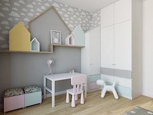 Wilanów - 100m2 - Średni biały szary pokój dziecka dla chłopca dla dziewczynki dla malucha, styl skandynawski - zdjęcie od TutajConcept